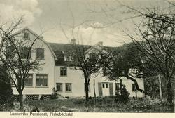 Notering på kortet: Lunneviks Pensionat, Fiskebäckskil.