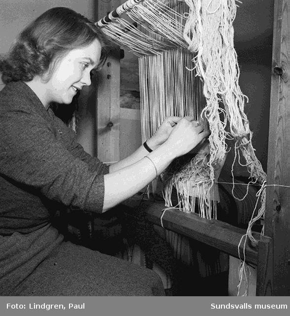 Hemma hos en textilkonstnärinna.
