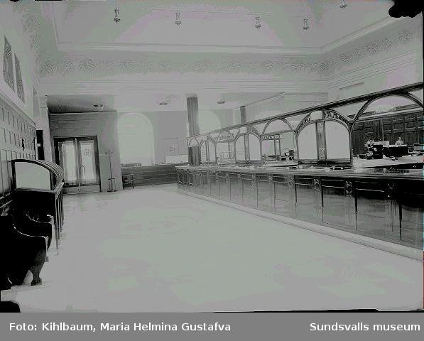 Interiör från Handelsbanken. Bankhallen.