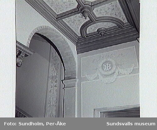 Dokumentation av trapphus i Stenstaden. Bernska huset