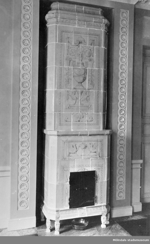 Kakelugn i Östra förmaket. Gunnebo slott 1930-tal.