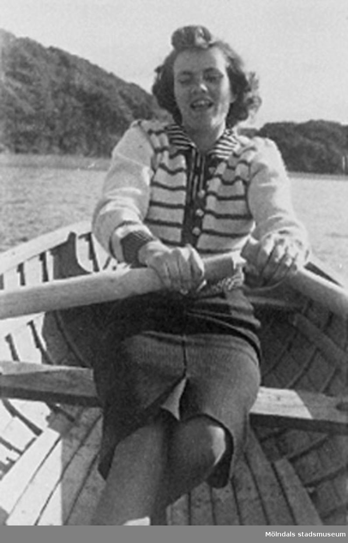 Bilden är tagen en helg, när Lilly och Karl åkte på utflykt till Stensjön.