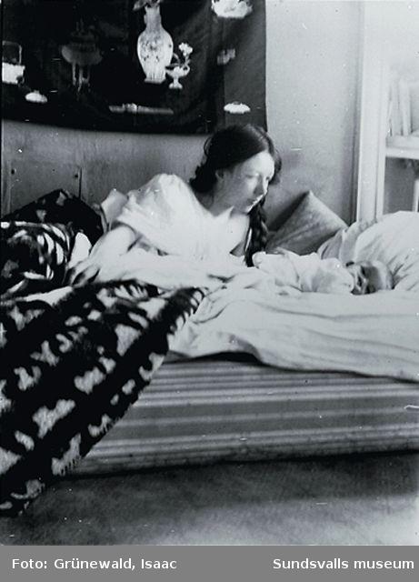 Sigrid Hjertén och sonen Iván (f. 1911), Stockholm 1911.