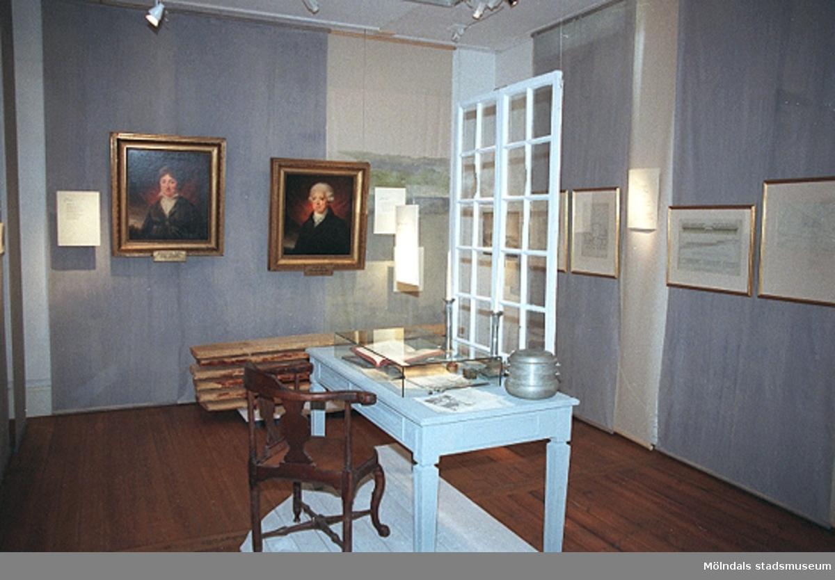 Utställningen under uppbyggnad på Mölndals museum.