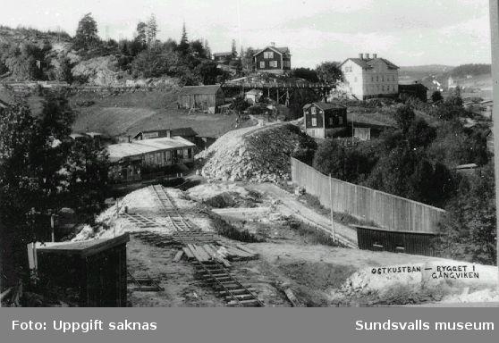 Anläggning av Ostkustbanan. Bygget i Gångviken.