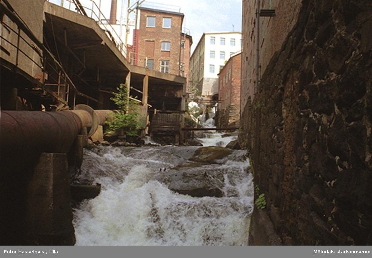 Kulturmiljön vid forsen i Mölndals kvarnby, 1997-07-08.
