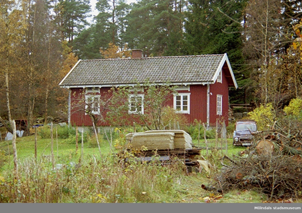 Bostadshus på Varvsvägen i Lindome, oktober 1998.