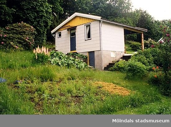 Ett bostadshus.Spårhagavägen, Hällesås 1:66, Gastorp i Lindome. 1999-06-24?
