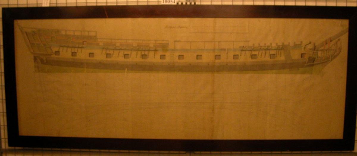 Ritning utförd av F H Chapman. Inom glas och ram (ramen tillhör museet) Tre placerade i chapmansalen på museet, en i Gamla Modellsalen.