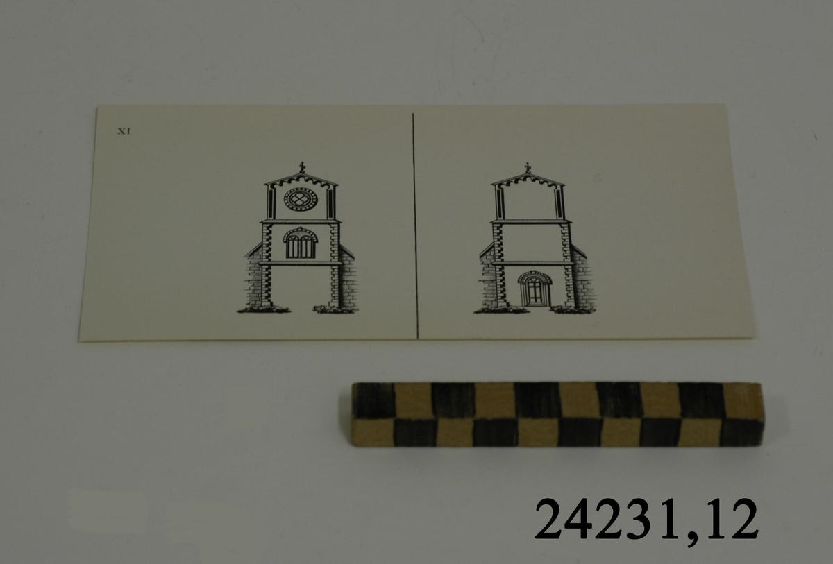 Rektangulärt vitt pappersark, numrerat XI i övre vänstra hörnet. På arket syns två stycken olika bilder i svartvitt, en för vardera öga. Till vänster: Del av kyrkofasad med tornbyggnad. Överst, rosettfönster därunder ett bågformat fönster. Till höger: Samma kyrkofasad, men endast med porten.