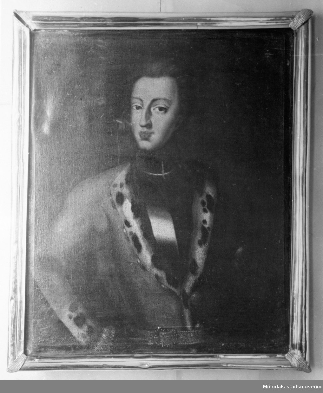 Inramad oljemålning föreställande Karl XII. Gunnebo slott, 1930-tal.
