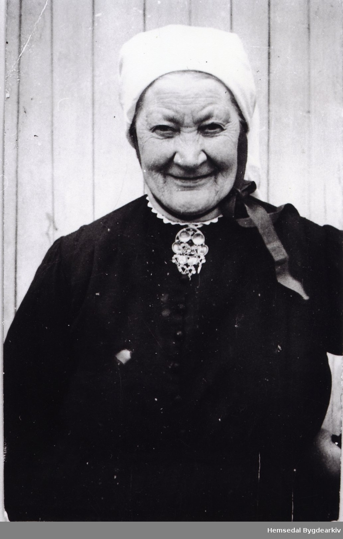 Birgit Svingen, fødd Rusto i 1869