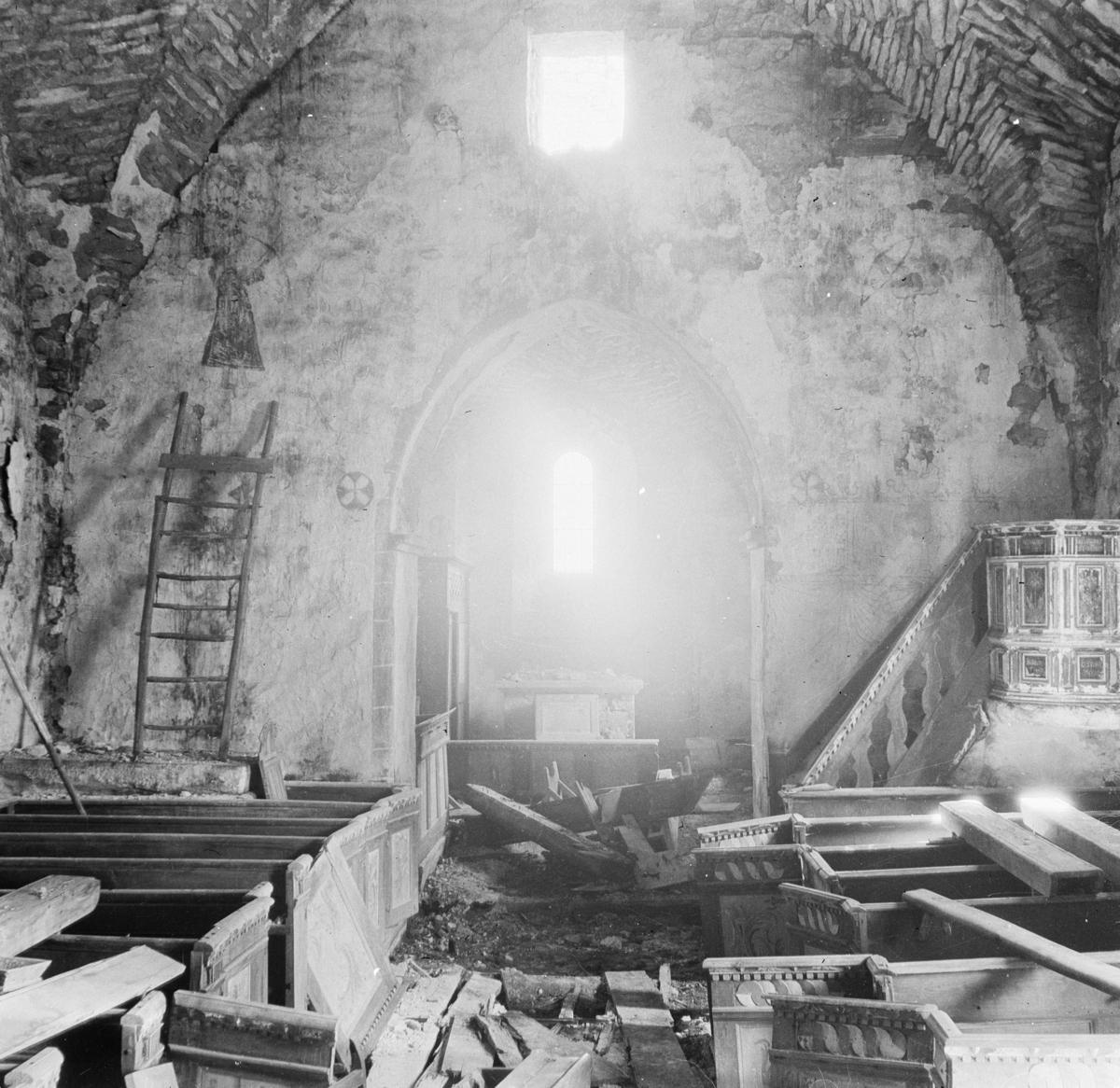 Träkumla kyrka, Gotland Interiör  Svensk arkitektur: kyrkor, herrgårdar med mera fotograferade av Arkitekturminnesföreningen 1908-23.