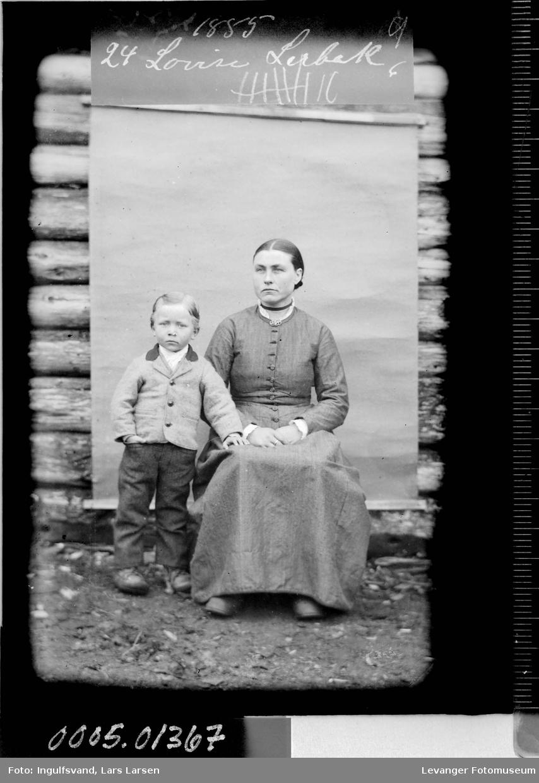 Portrett av kvinne og gutt,
