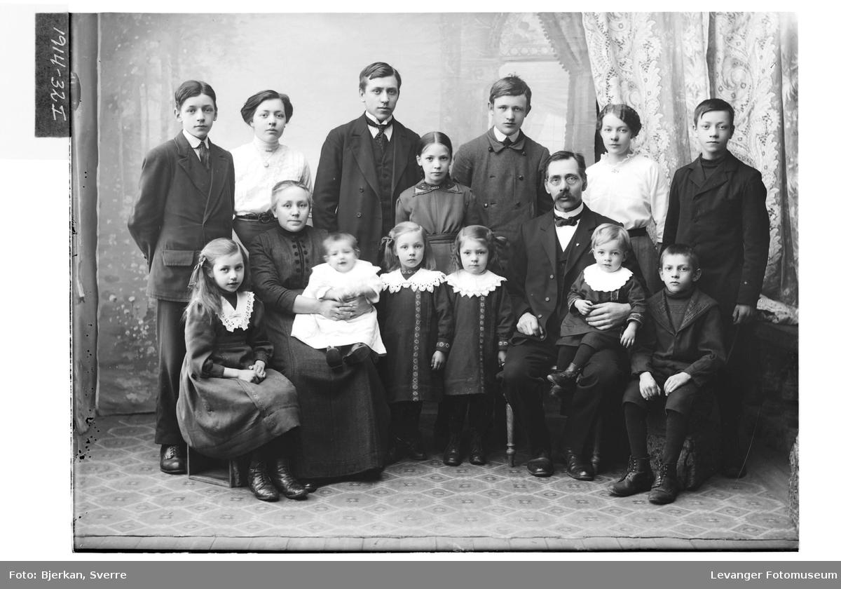 O. Karlgaard med familie