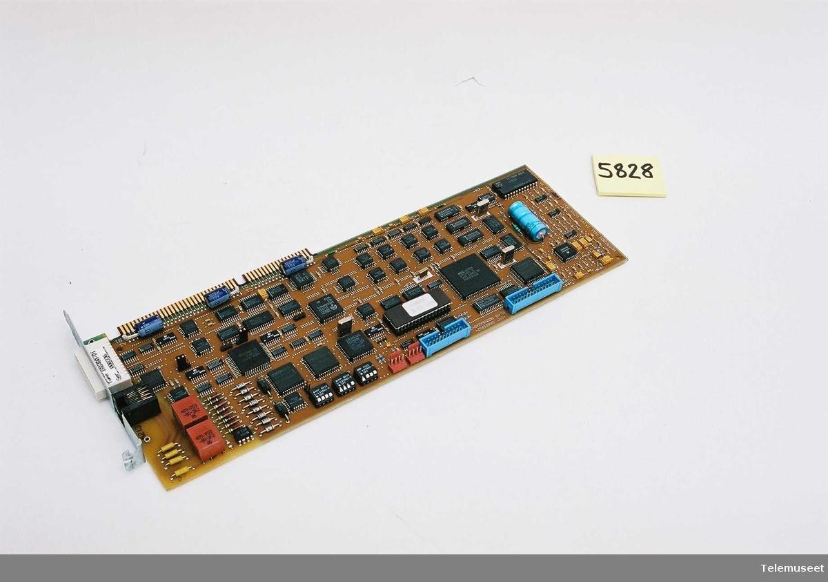 Kortet  er merket: Type 166480/01 Seri nr: 000336