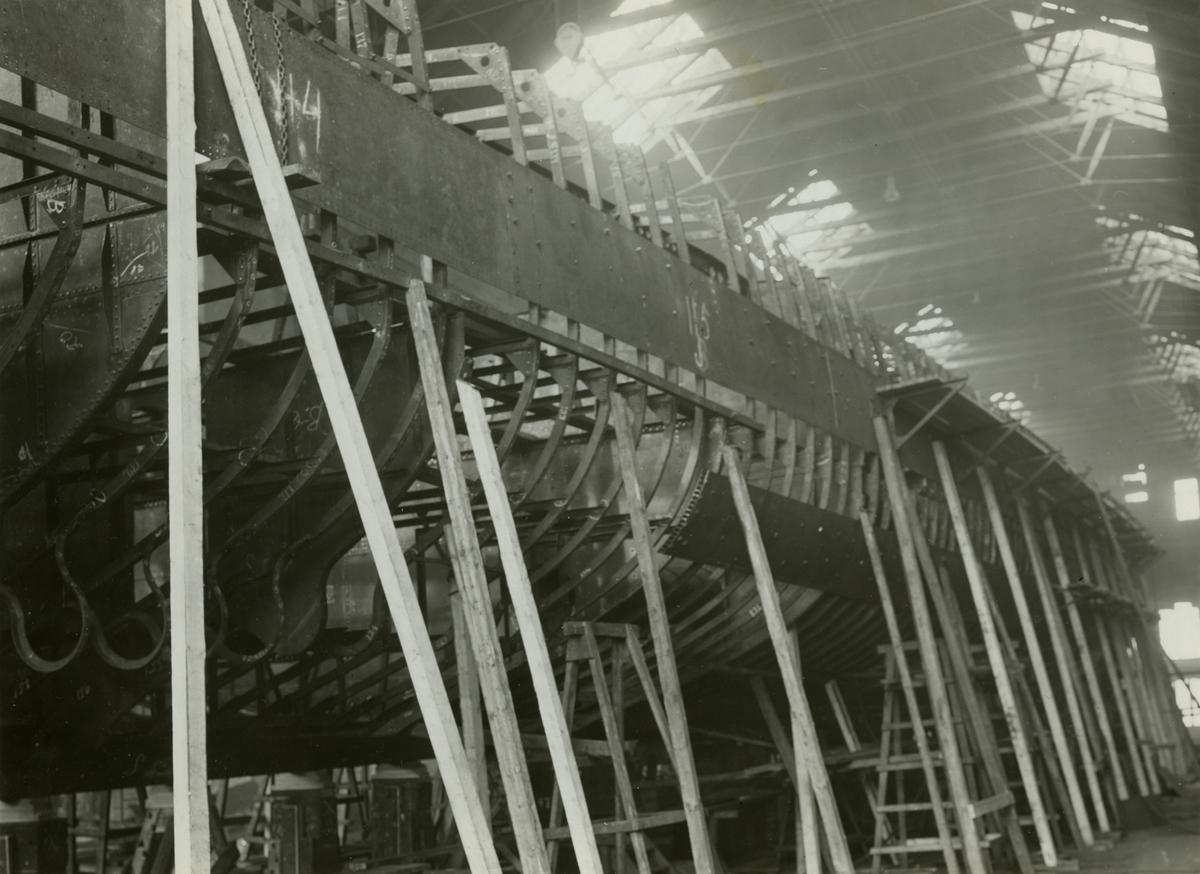 KLAS UGGLA JAGARE  Under byggnad. Kölen sträckes 3 april 1930