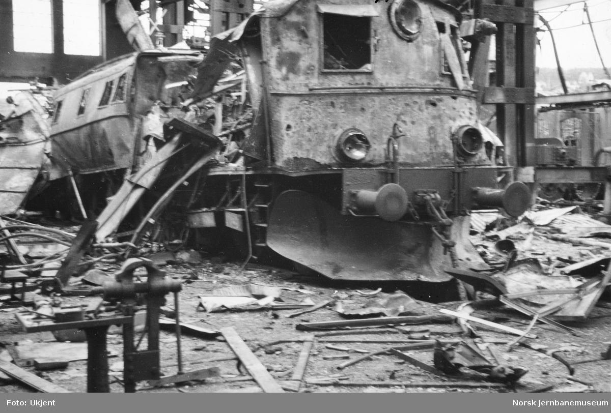 Ødelagt lokomotiv El 4 2046 i Verkstedet Narvik
