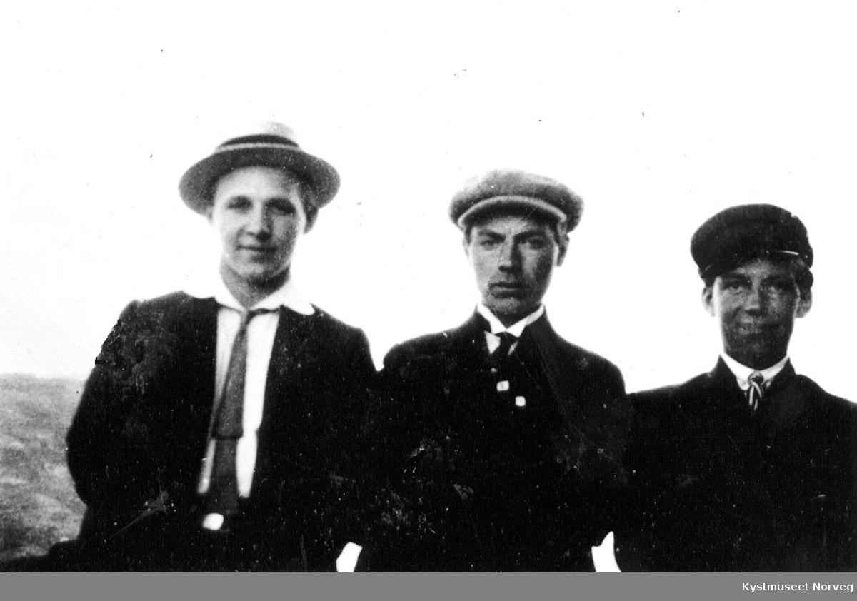 3 unge menn.