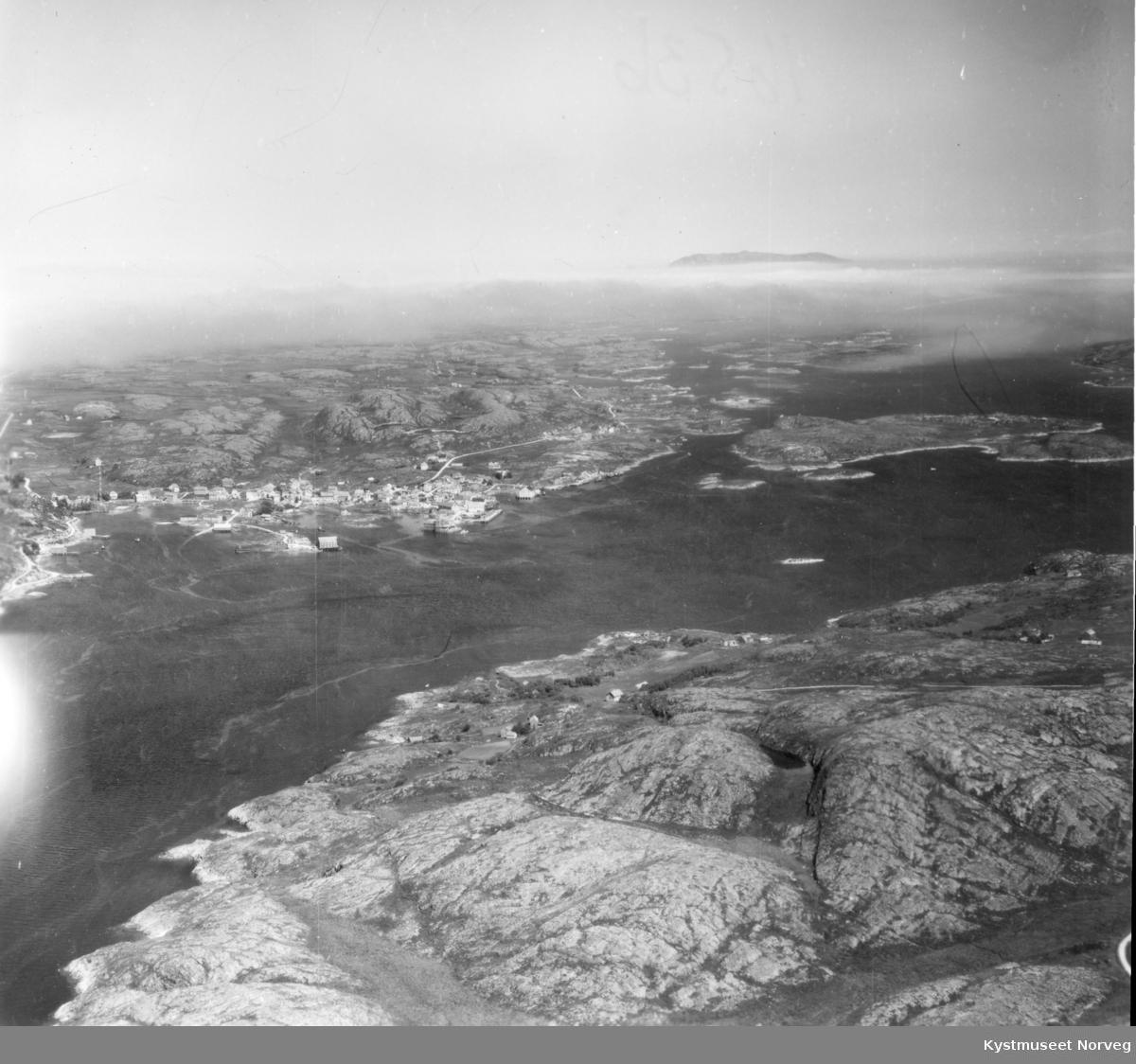 Rørvik og Marøya, flyfoto