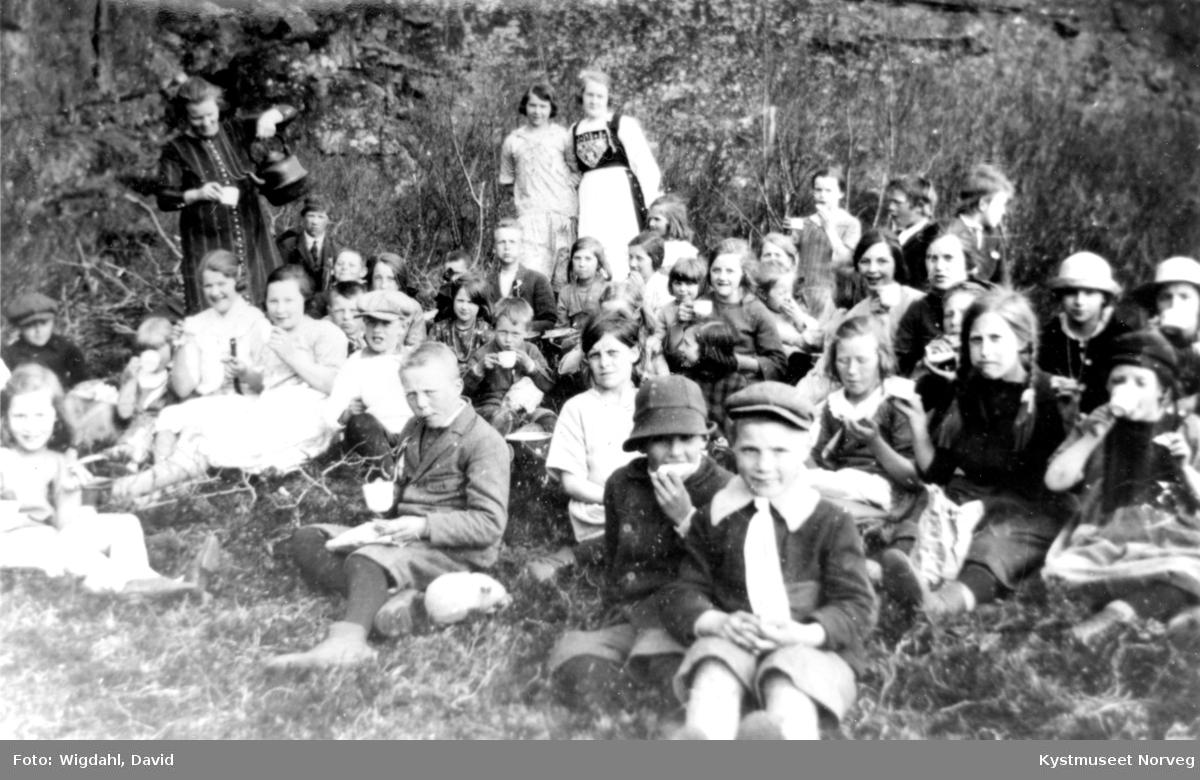 Valøya skole, 17. mai 1926