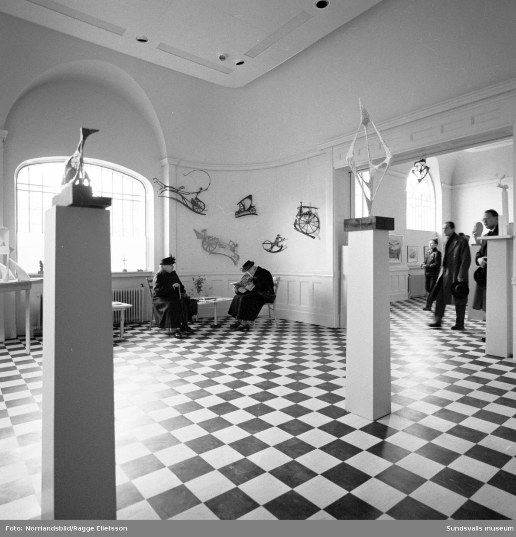 Vardagsbilder och interiörer från nyinvigda Sundsvalls museum.