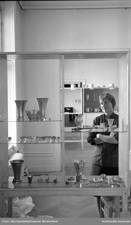 Silverutställning på Sundsvalls museum. Fotograferat för Dagbladet.