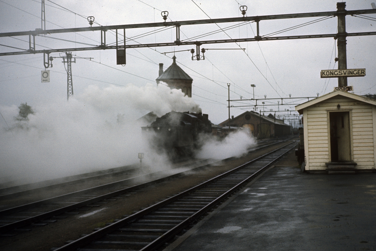Damplok type 26c nr. 433 på Kongsvinger stasjon.