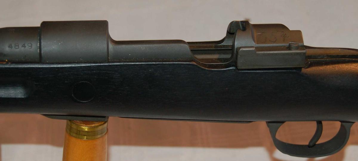 Kongsberg Redningsgevær M.52 med påmontert boks med nylon redningsline