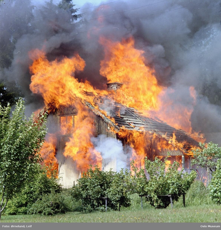 bolighus, brann