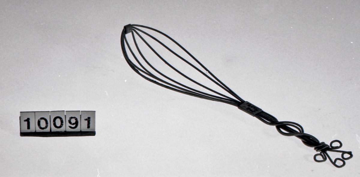 Form: ovalt blad