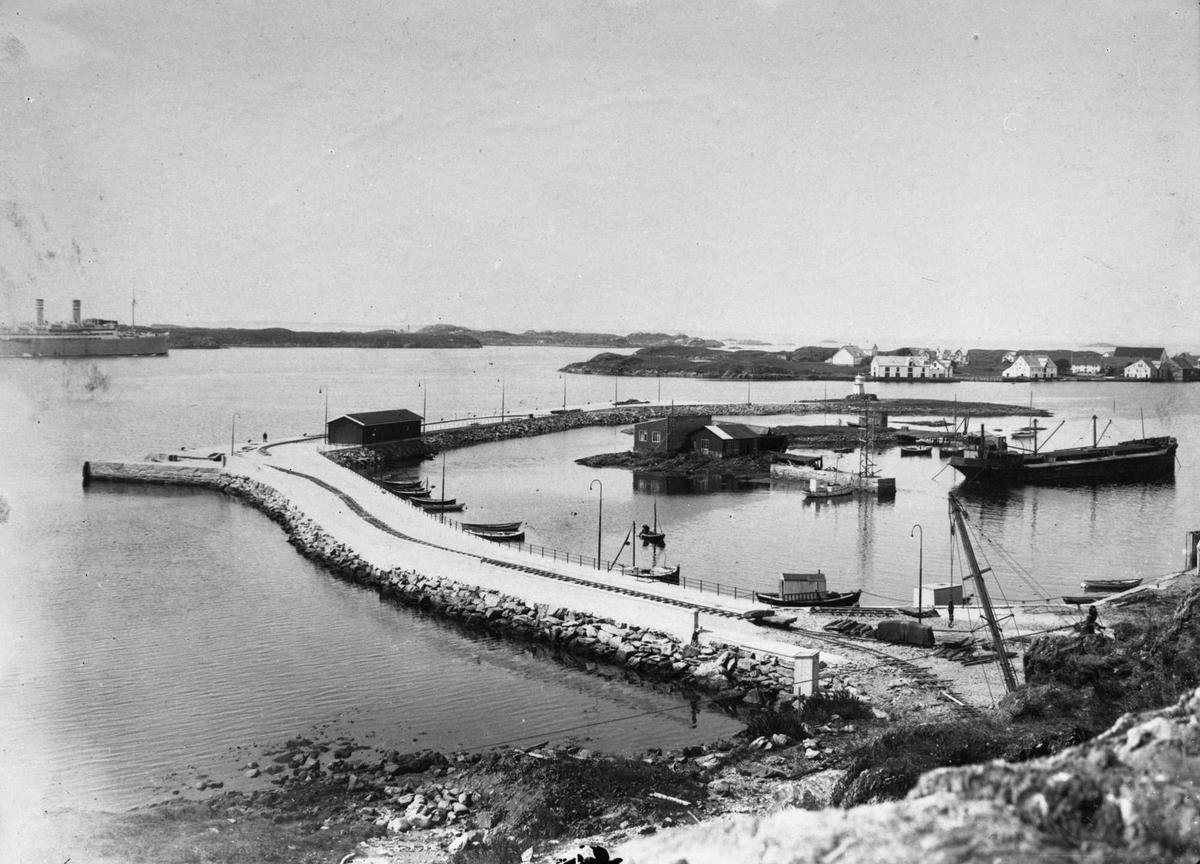 Havn - dampskip - småfartøy - sjøhus