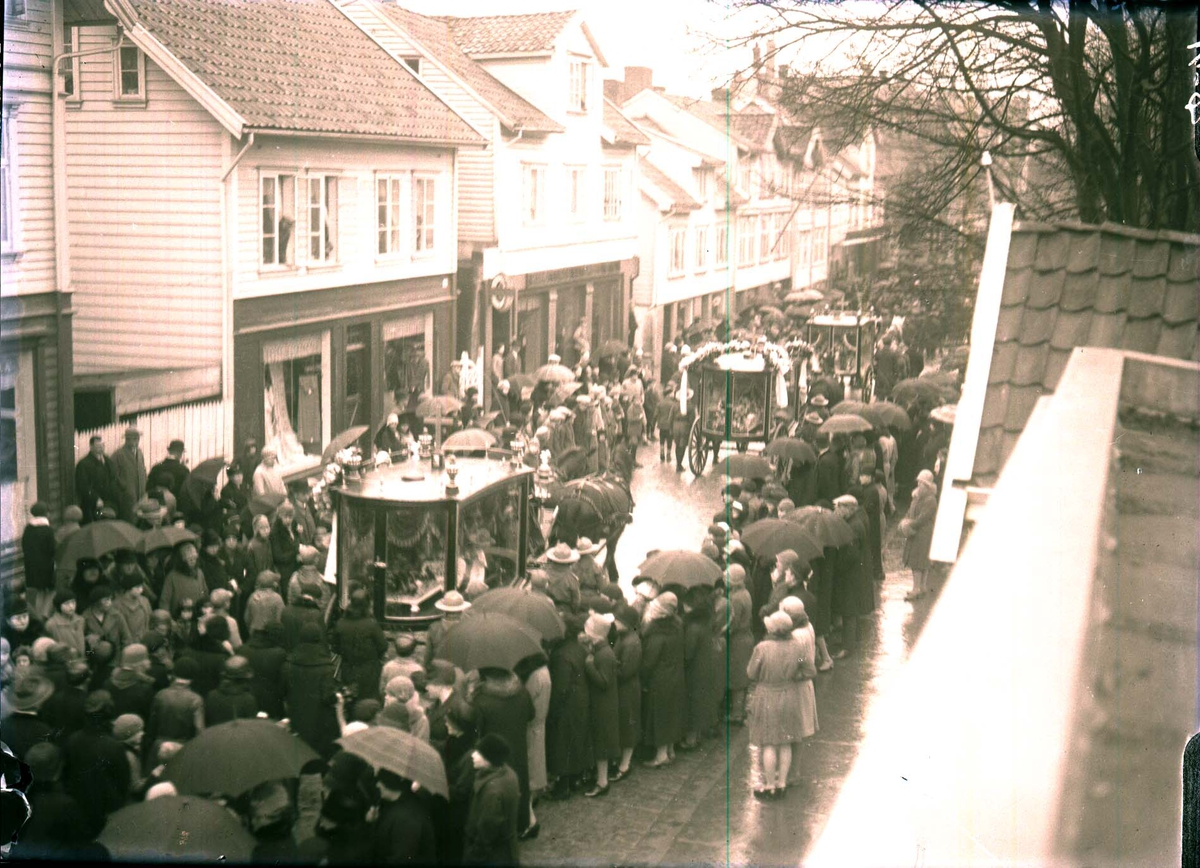Bybilde - Gruppebilde - Begravelse.