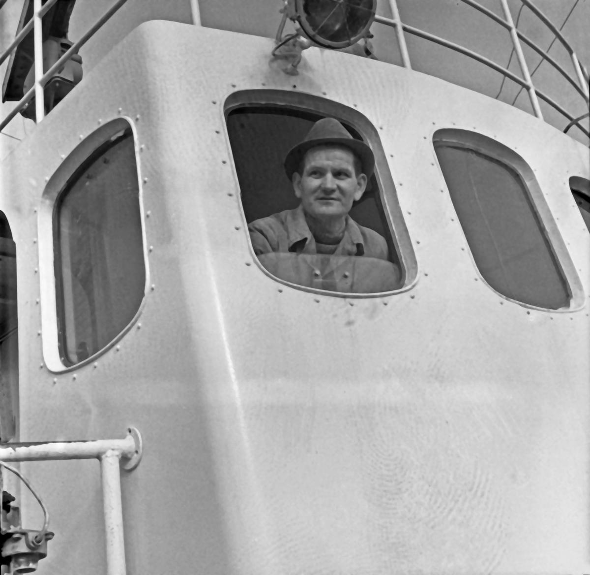 "Karmøy - ""Nordsjøtrål"" - Dahl - Skipper"