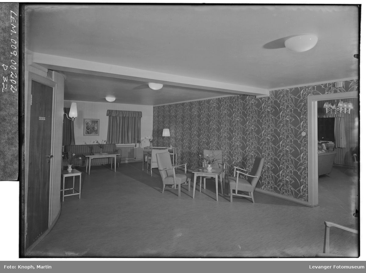 Fra Grand Hotell på Steinkjer, 1950.  XIII