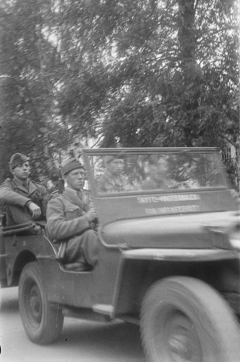 Militærparade. Leiret, Elverum. Jeep fra Skyte og vinterskolen for infanteriet.