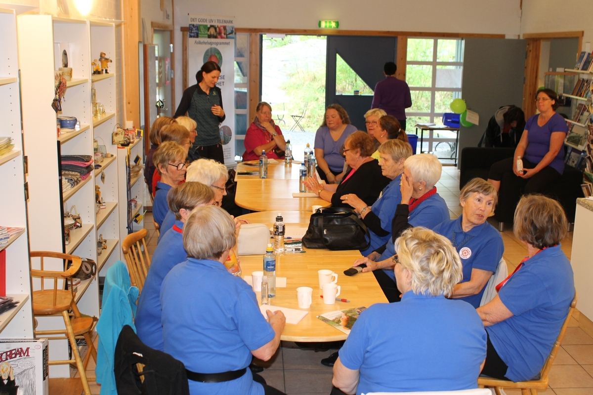 Folkehelsa i Kragerø har en gang i året over flere år brukt  museet  til en samling. Fysioterapeut Silvana Paulsen tar damene gjennom øvelser. Det blir dans og så god mat. Bergvenner lager påsmurt.