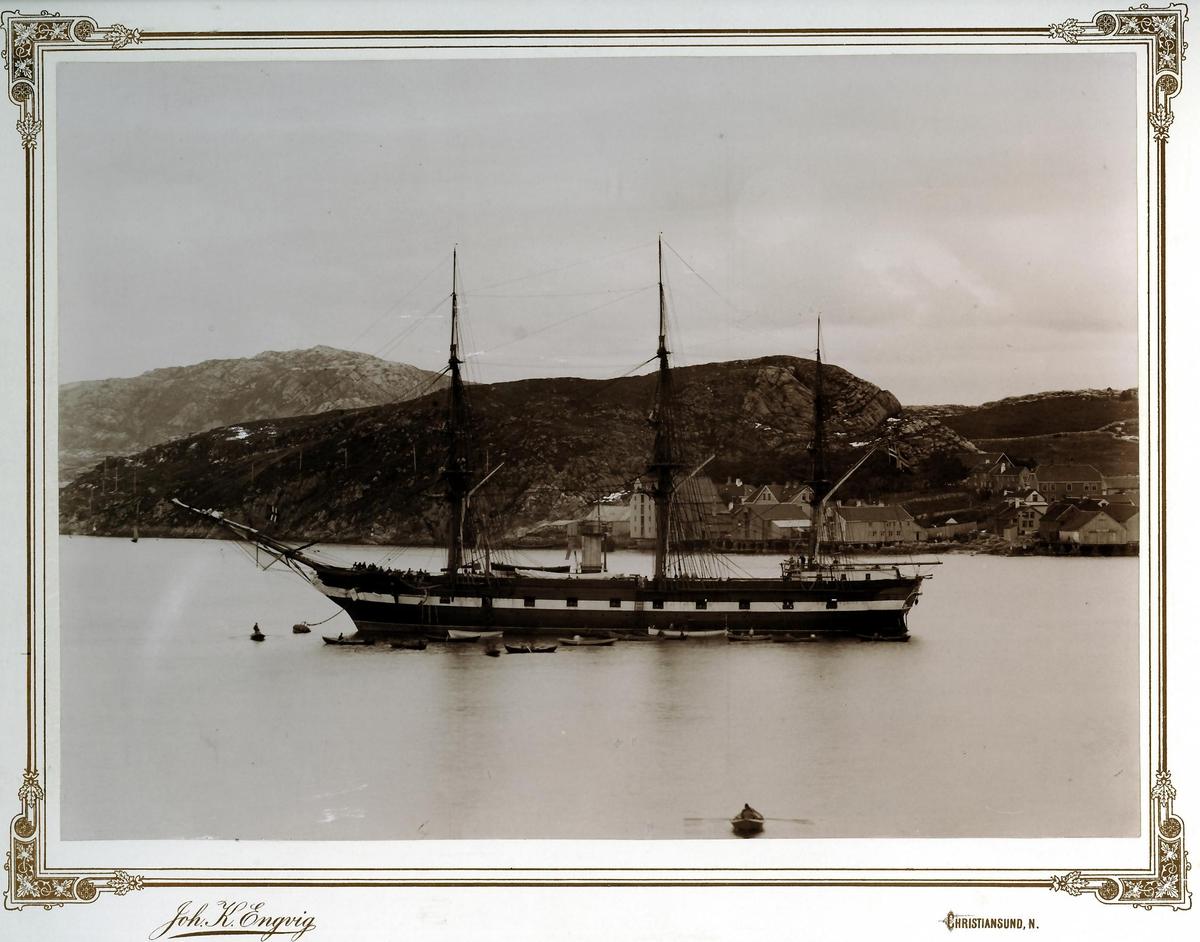 Motiv: Dampkorvetten NORDSTJERNEN  i Kristiansund N, babord side