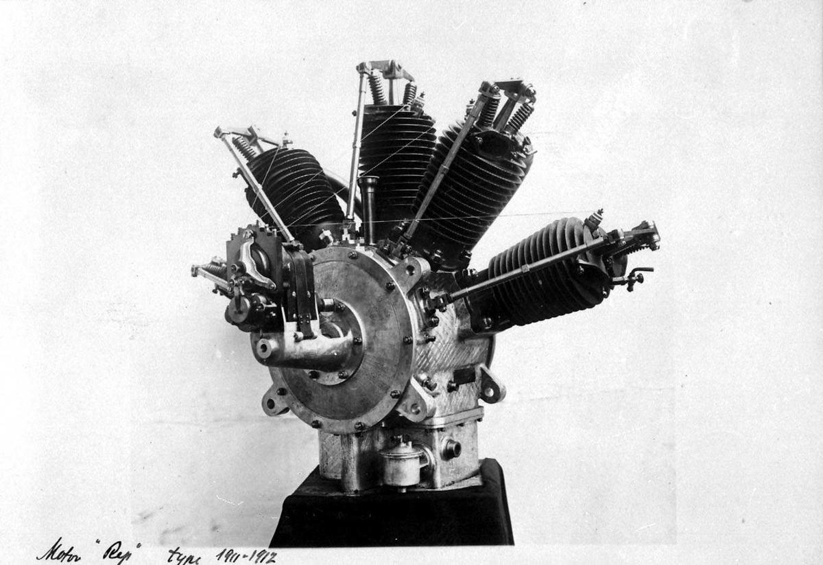 Motor, R.E.P.