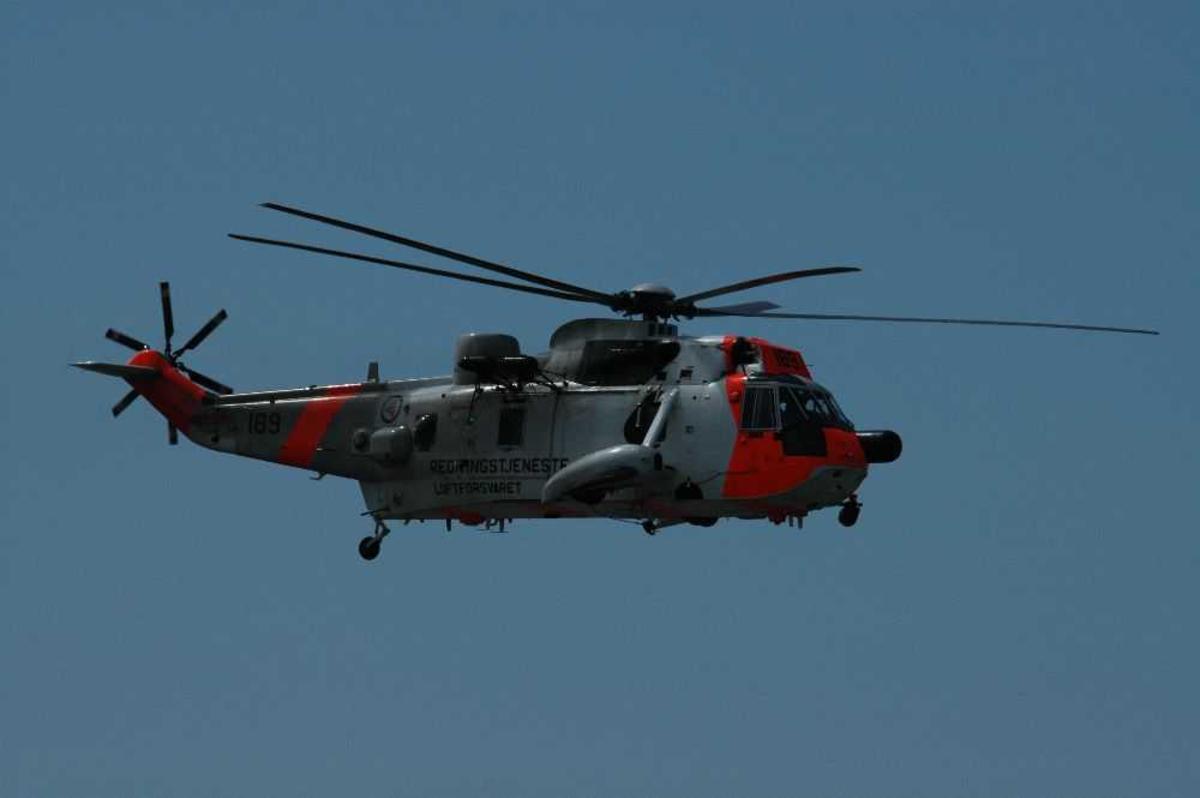 Ett helikopter i lufta. Westland Sea King.
