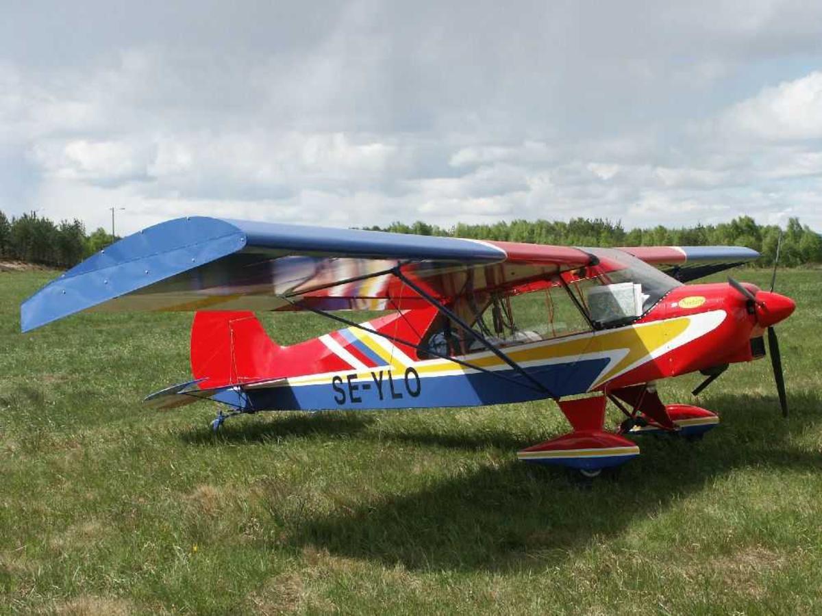 Ett fly på bakken, ELAN Cuby II. SE-YLO