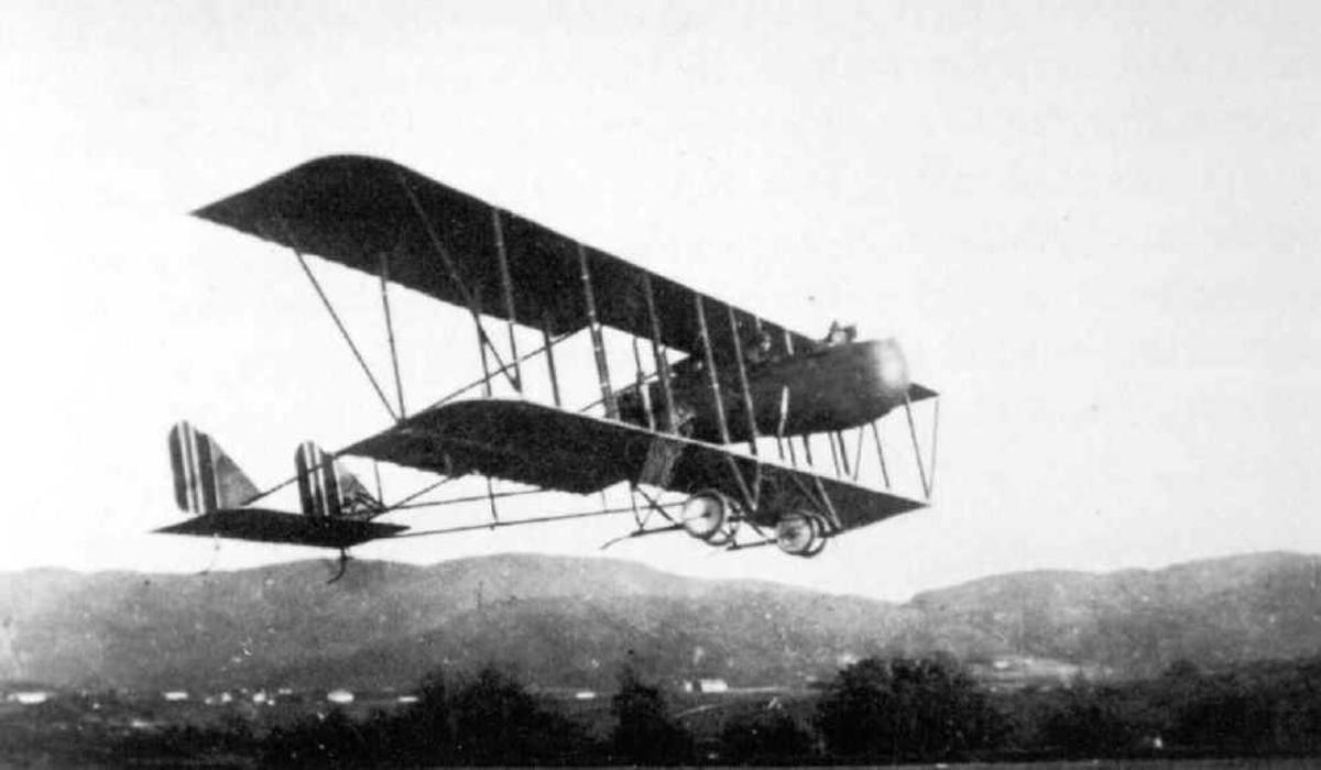 Ett fly i lufta, Farman