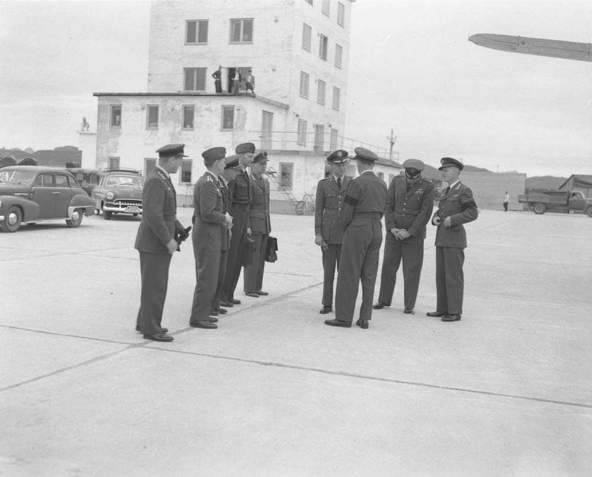 Foto av General Nordstad's ankomst til Bodø.