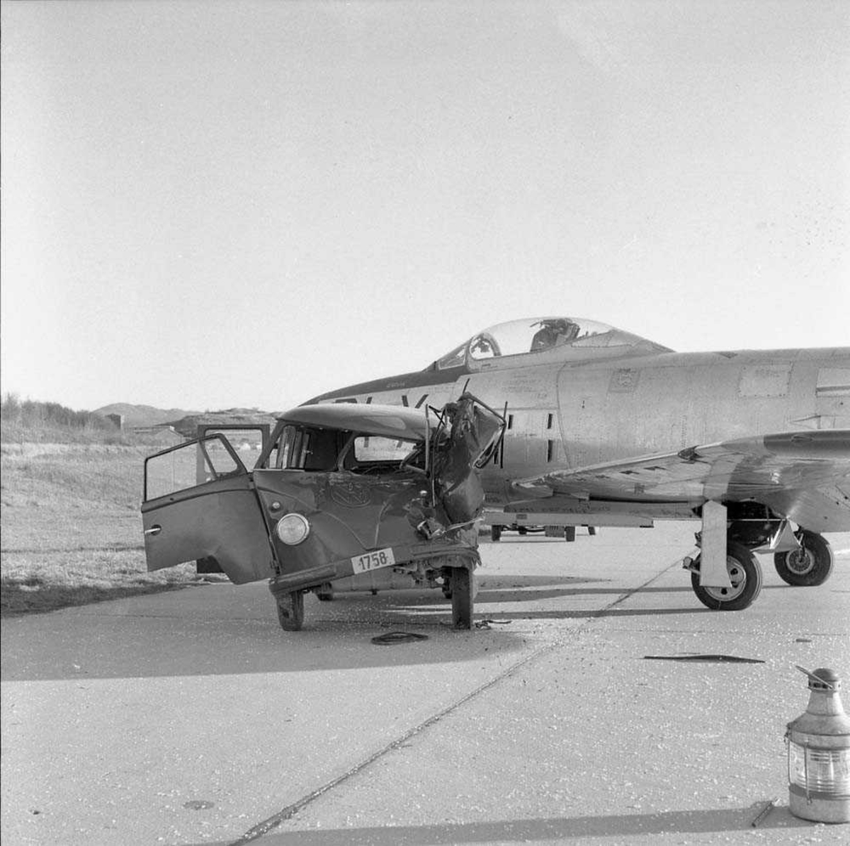 Rekonstruksjon av fly - bil uhell.