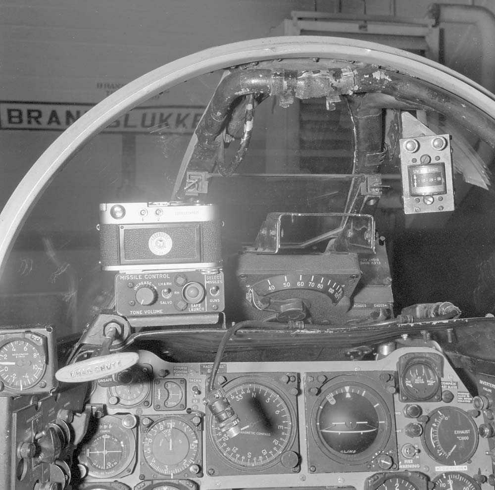 Fotografiapparat, Type Leica, montert i cockpit'en til F-86-K, Sabre.