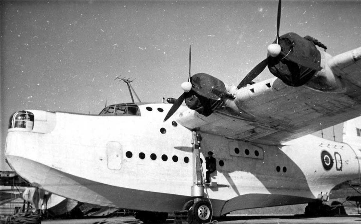Ett fly på bakken, Short Sunderland Mk III.