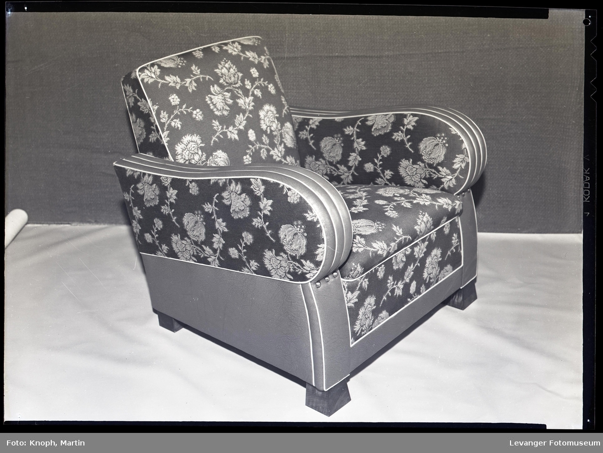 Produkter fra Nordenfjeldske stol og møbelfabrikk, Sparbu