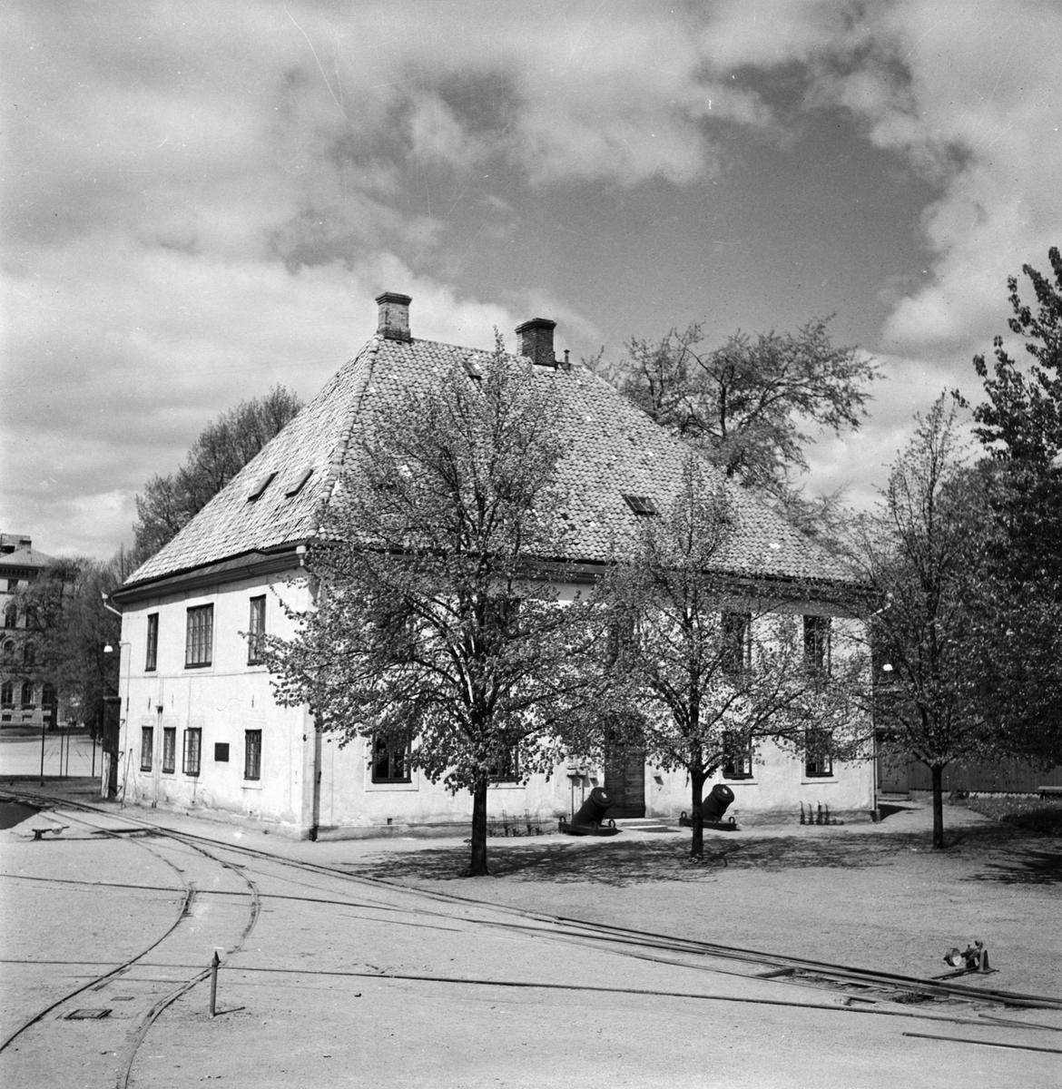Övrigt: Foto datum: 20/6 1951 Byggnader och kranar Tygkontoret