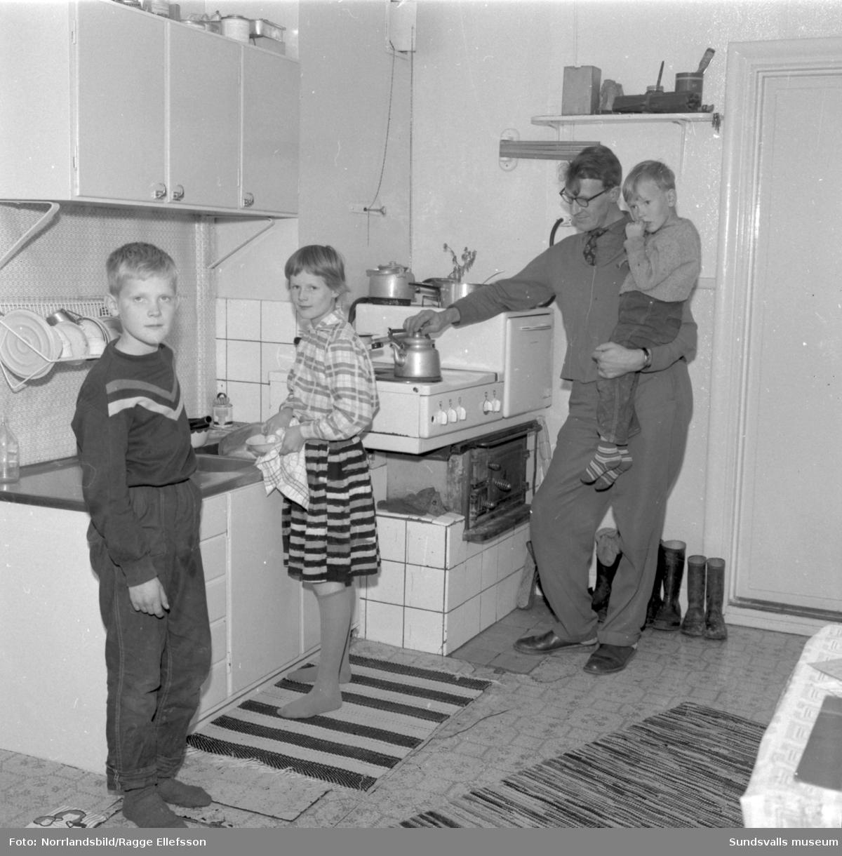 Familjen Helge Bergström i Lövbergsåsen, Ljustorp.