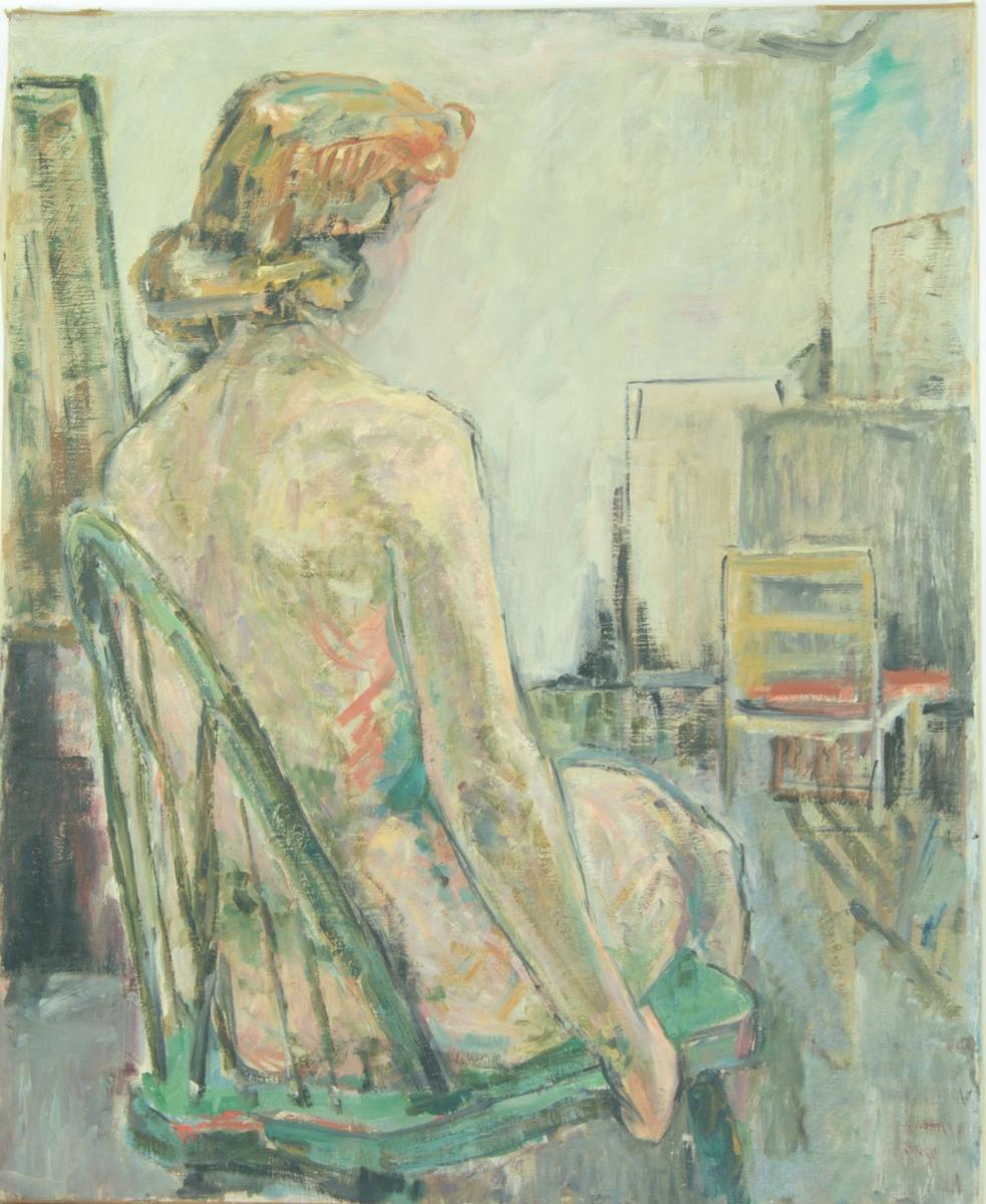 Motivet viser en naken kvinne sittende med ryggen til betrakteren. Hun har lyst hår, og hun er vendt mot høyre. Hun sitter på en lys grønn pinnestol med avrundet rygg. Høyre arm henger ned, og hun holder på stolens sete. I bakgrunnen kan man se et hjørne i et rom. Det står oppstilt lerret langs veggene, og en stol står med ryggen til.